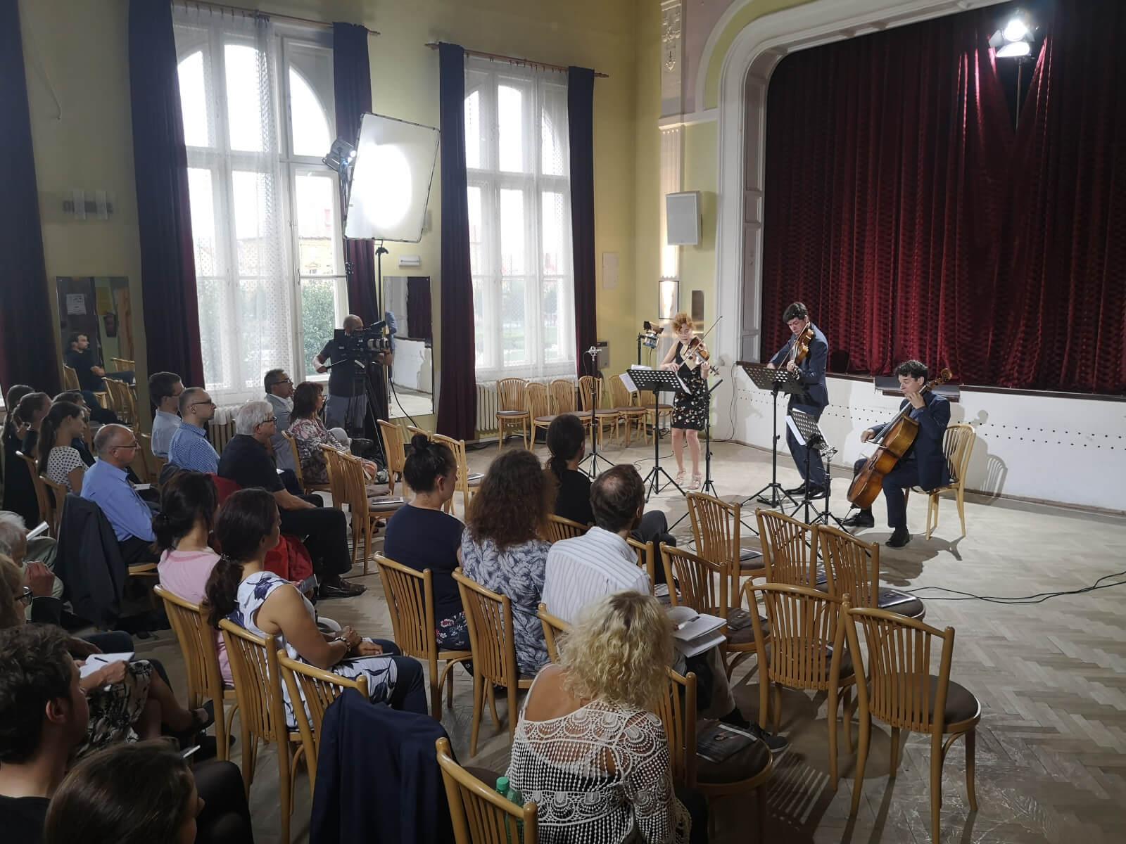 Black Oak Ensemble & Dětský sbor Brno